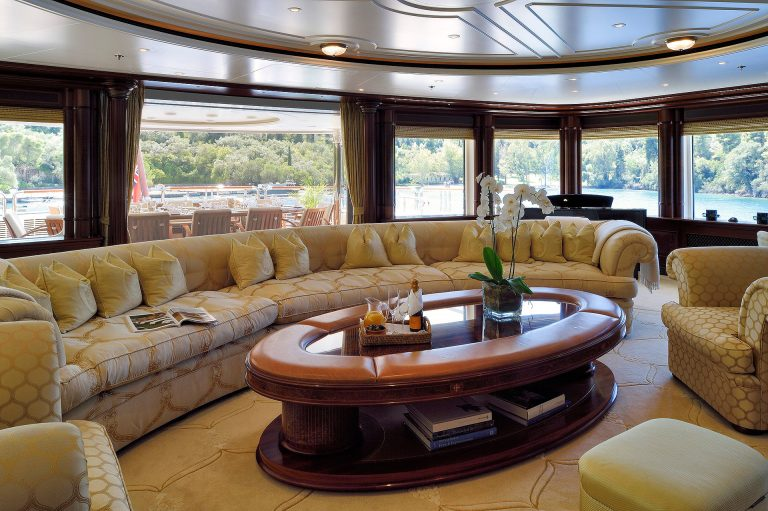 In comfort of the air-conditioned interior guests enjoy the surroundings from the large windows in the ambient classy lounges.