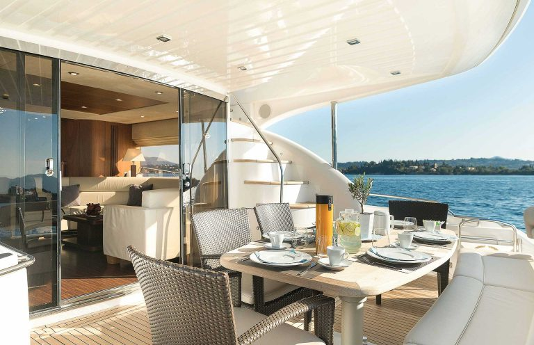 Large aft space and dining alfresco.