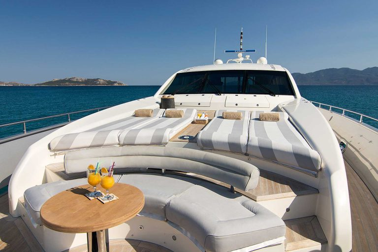 Cushioned Foredeck area.