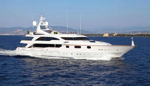 AKIRA-ONE-Benetti-for-charter